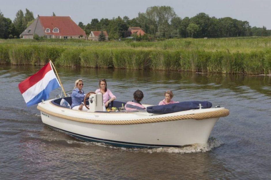 Sloepverhuur-in-Eernewoude-Friesland
