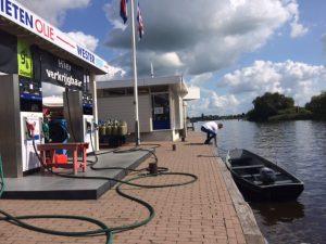 Tanken aan het water Friesland
